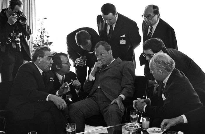 6107.leonid_brezjnev_willy_brandt_bonn_1973